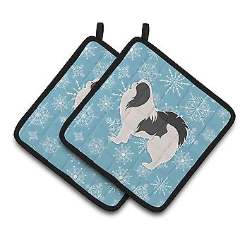 Winter Snowflake Japanese Chin Pair of Pot Holders
