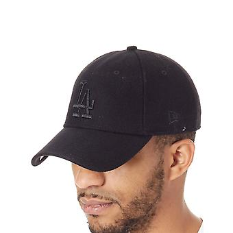 New Era Black-Black Winter Utility Melton 9Forty  Los Angeles Dodgers Curved Pea