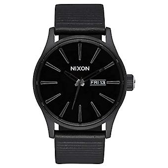 Nixon Analog quartz men's watch with leather A105-1147-00