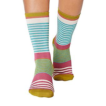 Vevina women's super-soft bamboo crew socks, field green | By Thought