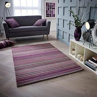 Carter Rugs In Berry