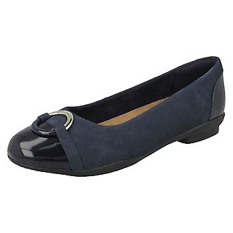 Ladies Clarks Ballerina Flat With Ring Detail Neenah Vine - Black Leather - UK Size 3E - EU Size 35.5 - US Size 5.5W
